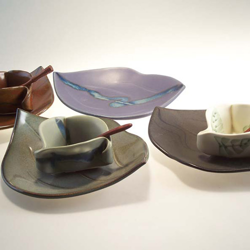 Mustard-Dishes-and-Leaf-Pla